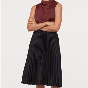 H&M Midi Pleated Skirt